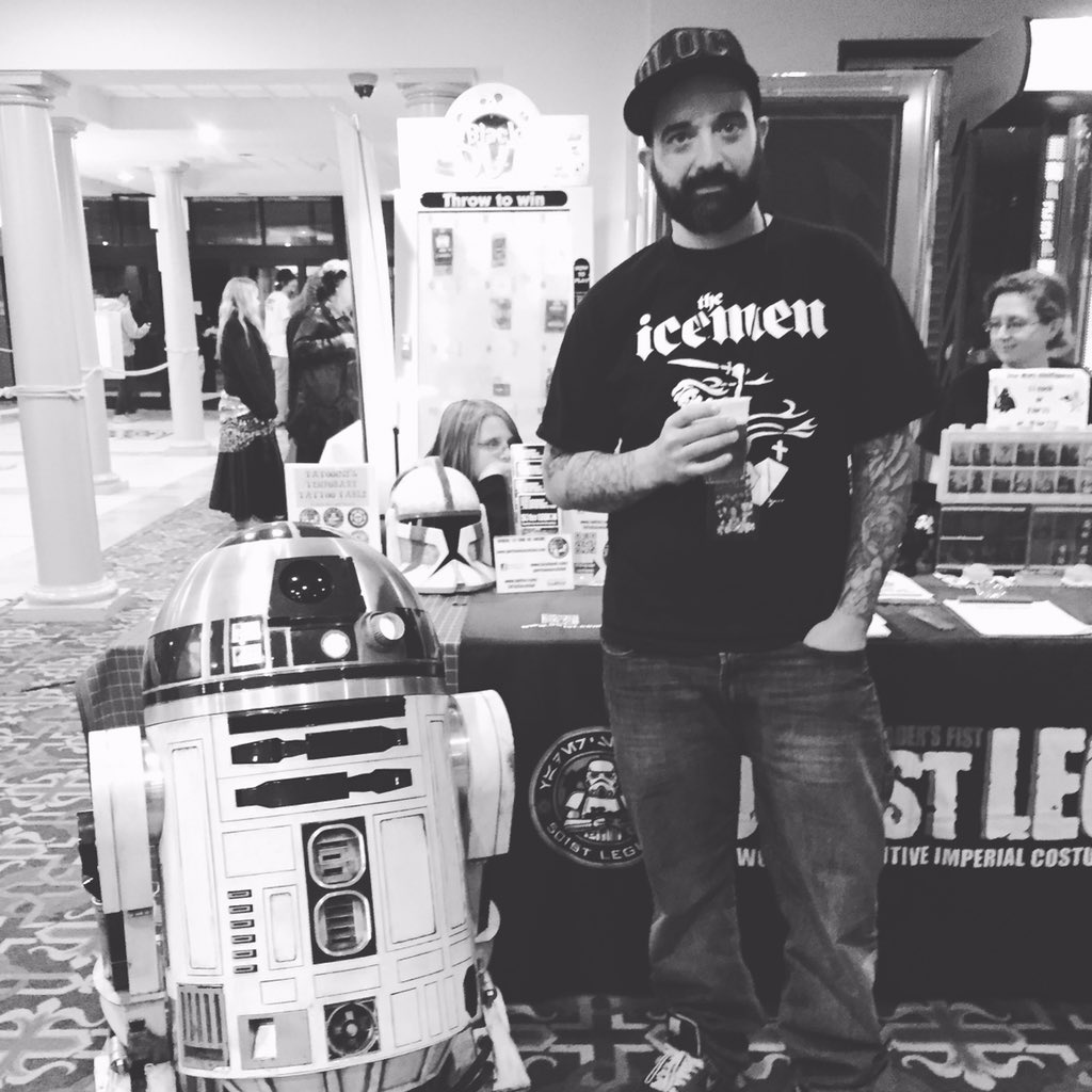Marc_Storrs _@marcstorrs_drunk_with_R2_reppin